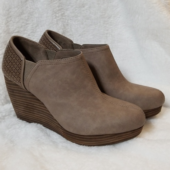 a0231e9553a2 Dr. Scholl s Shoes - Dr. Scholl s Harlow Wedge Booties ...